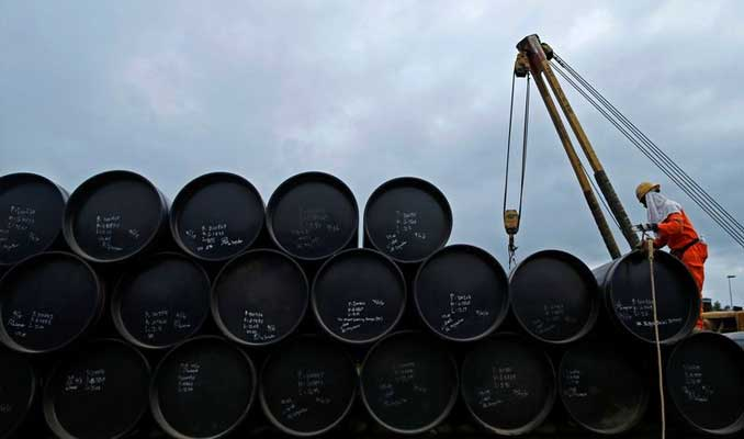 Petrol fiyatları üretim kısıntısı beklentileriyle yükseldi