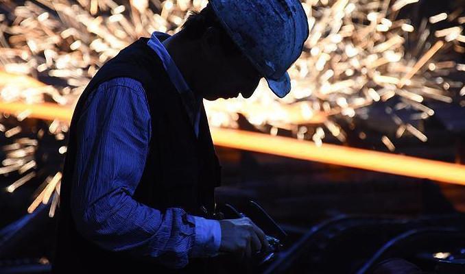 Sanayi üretimi Temmuz'da yıllık %1.2 azaldı