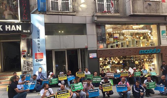 İBB'den çıkartılan işçilerden CHP il binası önünde eylem