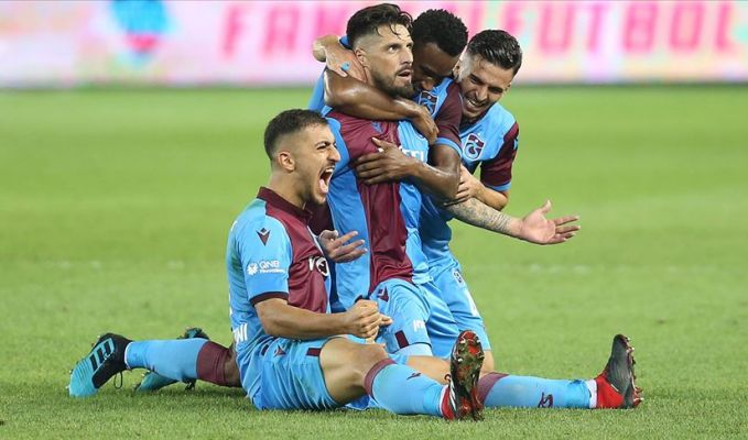 Beşiktaş, Trabzon'daki 5 gollü maçta dağıldı
