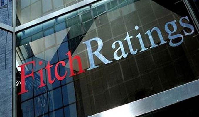 Fitch, Suudi Arabistan'ın kredi notunu düşürdü