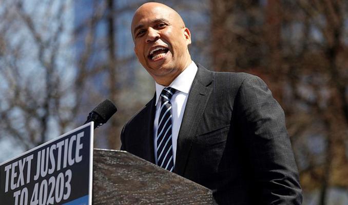 ABD'de Demokrat başkan aday adaylarından Booker yarışı bıraktı