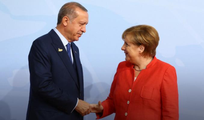 Almanya Başbakanı'ndan Libya'daki taraflara konferans daveti