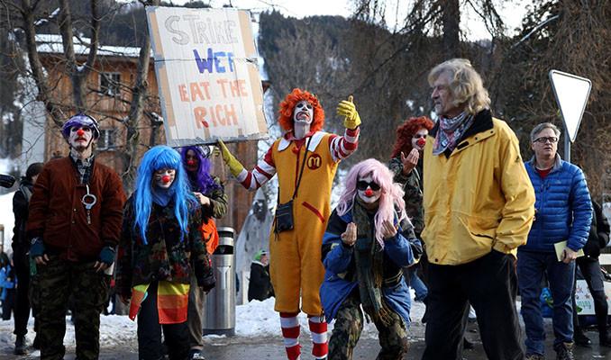 Davos'ta Greta için yürüdüler