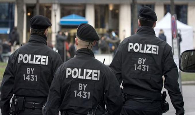 Almanya'da silahlı saldırı: Çok sayıda ölü var