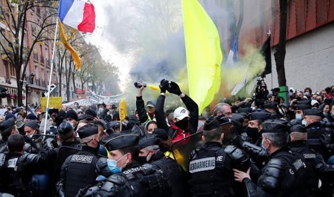 Fransa'da protestoculara sert müdahale