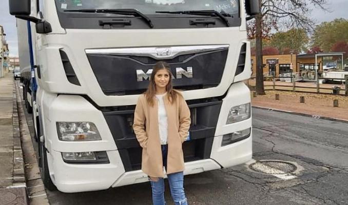 21 yaşındaki TIR şoförü Türk kızı