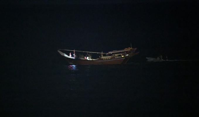 ABD Umman Denizi'nde silah dolu İran teknesine el koydu
