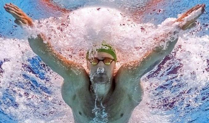 Olimpiyat şampiyonu yüzücü virüsle mücadele ediyor