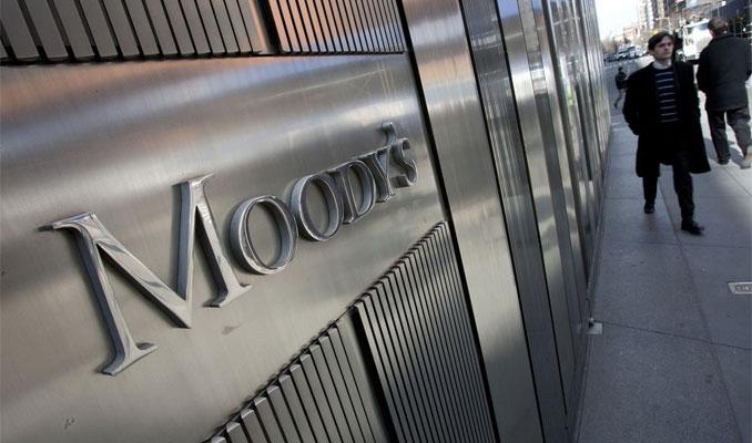 Moody's Kovid-19 nedeniyle küresel büyüme tahminini aşağı çekti