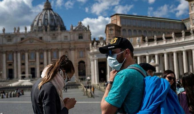 İtalya'da hayatını kaybedenlerin sayısı 8 bin 165'e yükseldi