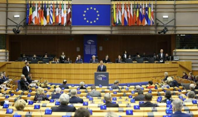 Avrupa Parlamentosu'ndan Kovid-19 tedbirlerine onay