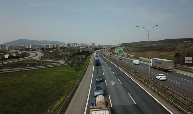İstanbul giriş ve çıkışlarında araç kuyruğu