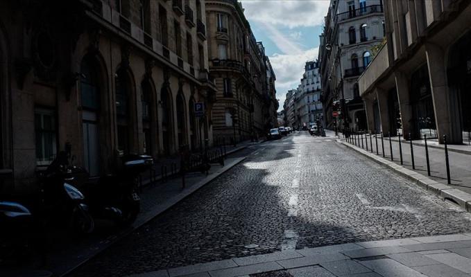Fransa'da can kaybı 499 artarak 3 bin 523'e yükseldi