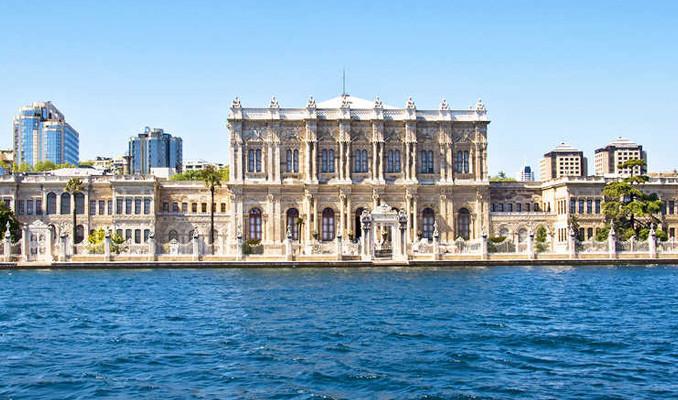 Dolmabahçe'de korona temizliği