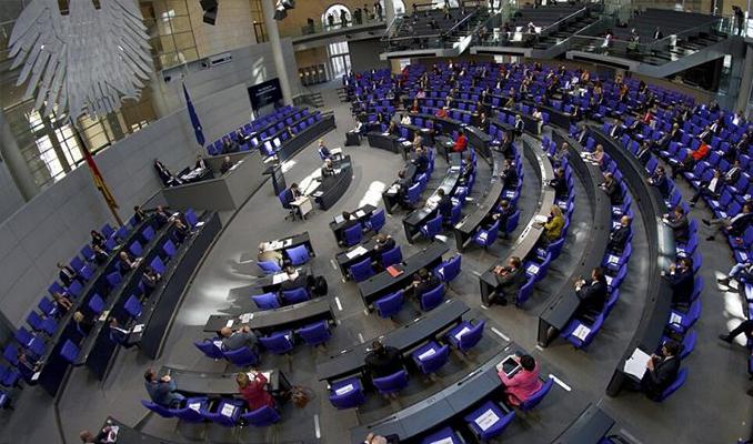 Alman milletvekilleri korona nedeniyle maaşlarına zam istemiyor
