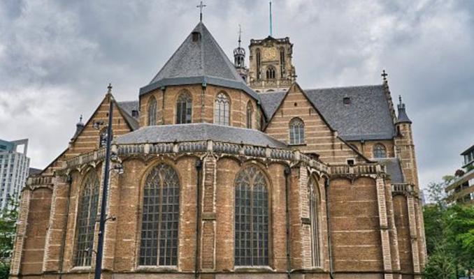 Hollanda'da tarihi Aziz Laurens Kilisesi Türkçe ezgiler çaldı