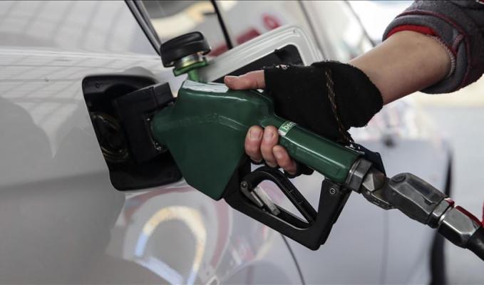 Benzine ve motorine zam yolda