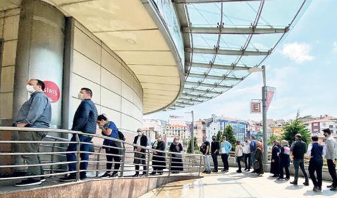 İstanbul'un en yoğun ilçesinde kural tanıyan yok
