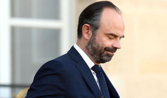 Fransa'da Başbakan istifa etti