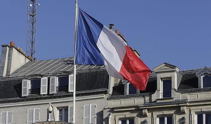 Fransa'nın yeni başbakanı ilan edildi