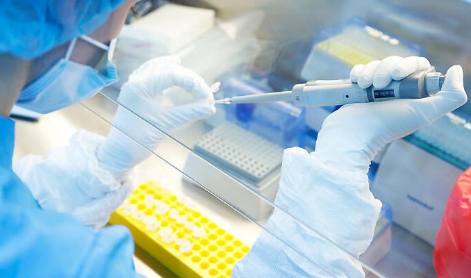 Rusya'da korona virüs aşısının denemeleri tamamlandı