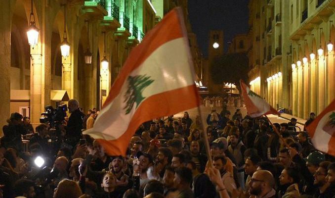 Lübnan'da ekonomi patlamayla kıyameti yaşadı