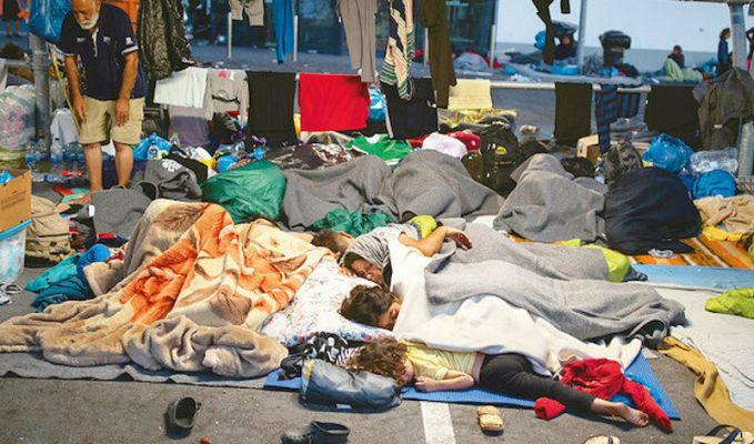 Yunanistan Midilli'yi mültecilere hapishane yaptı