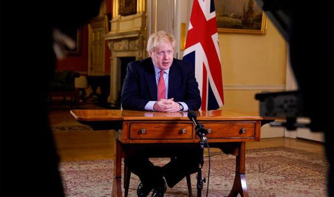 İngiltere'de imkanı olan herkes evden çalışacak