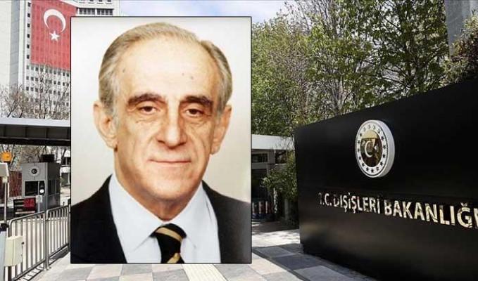 Eski Bakan Bozer Kovid-19 nedeniyle hayatını kaybetti