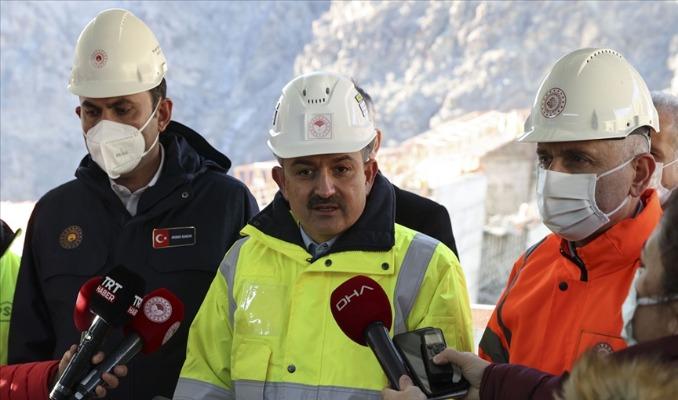 Bakanlar 20 milyarlık dev barajın inşaatını inceledi