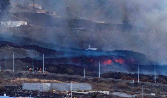 La Palma'da lavlar 1458 binayı yok etti