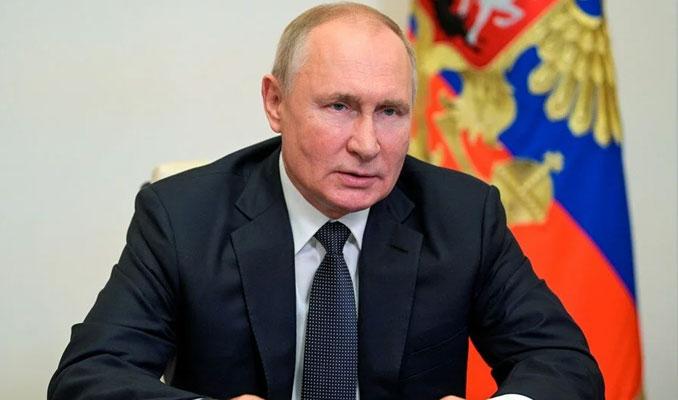 Putin: Maalesef silahlanma yarışı ivme kazanıyor