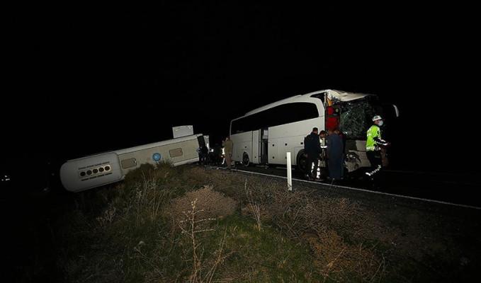 Nevşehir'de 39'u öğrenci 44 kişi kazada yaralandı