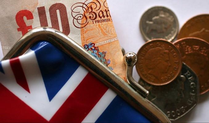 İngiltere'de hizmet PMI'da son 8 ayın en sert daralması
