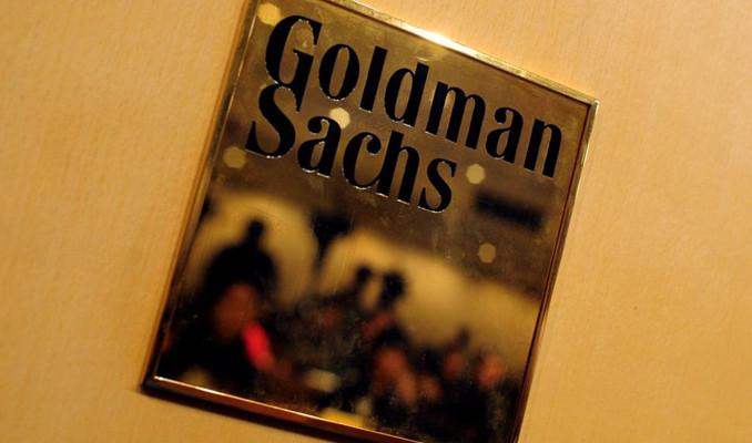 Goldman Sachs bu yaz stajyerleri ofiste istiyor