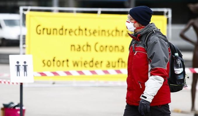 Almanya'da Kovid-19 tedbirlerinin süresi 28 Mart'a uzatıldı