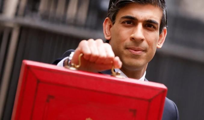 İngiltere Maliye Bakanı Sunak'a bütçe eleştirisi