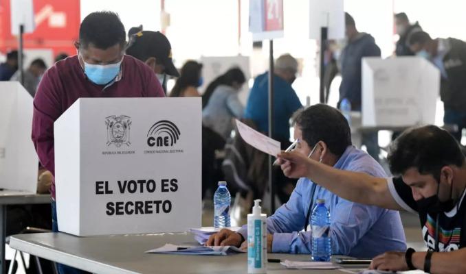 Peru'da devlet başkanlığı seçimleri başladı