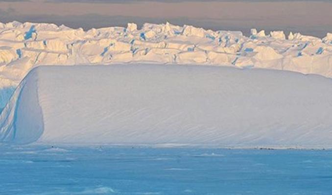 Antarktika'daki buz sahanlığının üçte biri çökme riski altında ...