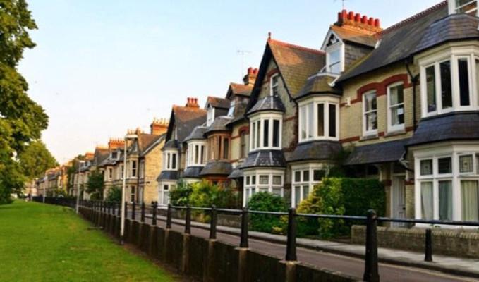 İngiltere'de konut fiyatları rekor seviyelere çıktı