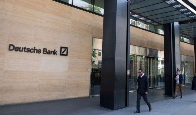 Deutsche Bank, Londra'dan çıkıyor