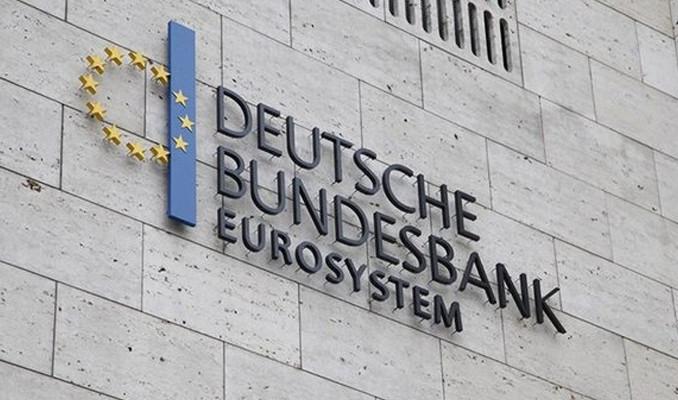 Bundesbank: Alman ekonomisi ilk çeyrekte daraldı...