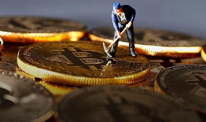 Bitcoin madencileri saklamaya mı geçti?