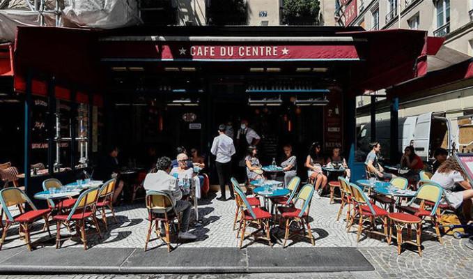 Fransa'da bazı bakanlar kısıtlamaları deldi iddiası
