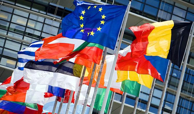Euro Bölgesi'nde hizmet sektörü bir miktar iyileşti