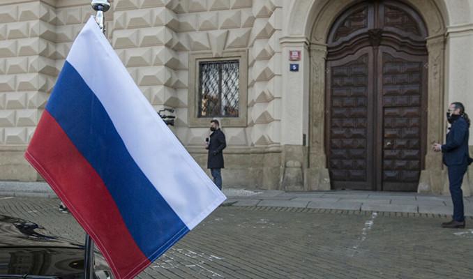 54 Rusya diplomat Çekya'dan ayrıldı