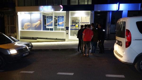 Banka hırsızları alarm devreye girince 200 lira ile kaçtı
