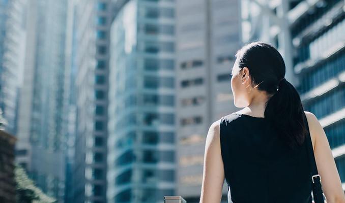 Cinsiyetçilik kadın finans çalışanlarının yolunu kesiyor