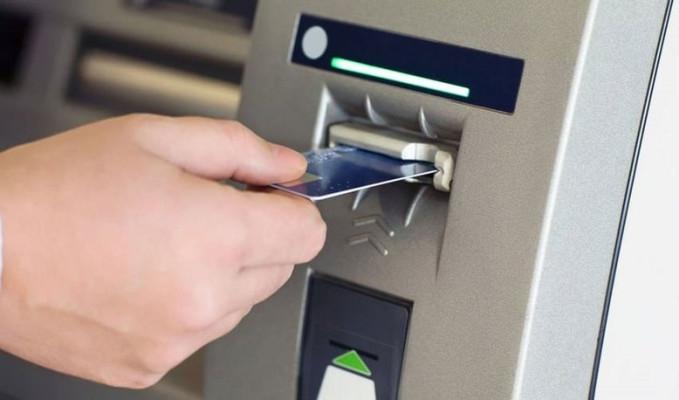 ATM'deki açığı fark edip 625 bin liralık vurgun yaptılar